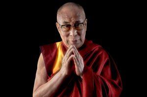 dalai 300x199 - 4 mondat a Dalai Lámától, amit érts és tanulj meg! Négy mondat összesen.