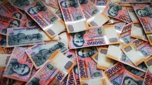 pénz1 300x169 - Pénz és jólét kopogtathat az ajtódon! – Lenormand kártya üzenete