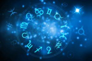 horoszkóp 300x199 - Napi horoszkóp július 28. vasárnap – Nagy meglepetések várnak rád a hét utolsó napján!