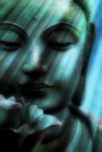 buddhafej 1 201x300 - Mai nap üzenete: Hívd a magasabb, teremtő erők segítségét!