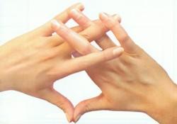 maitreya buddha - A kéz mindig kéznél van - Az ájurvédikus ujj-jóga